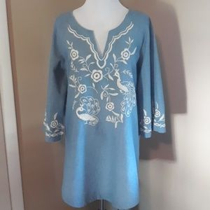 Forever 21 embroidered tunic top size M